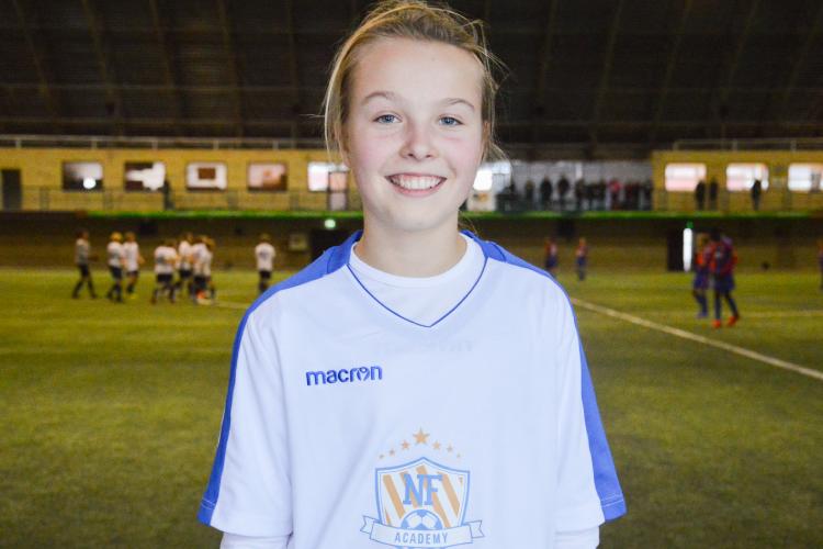 NF Academy letar efter begåvade unga spelare, oavsett nationalitet eller kön: Cille Nilsen är den första kvinnan som gått med i NF Scholarship.
