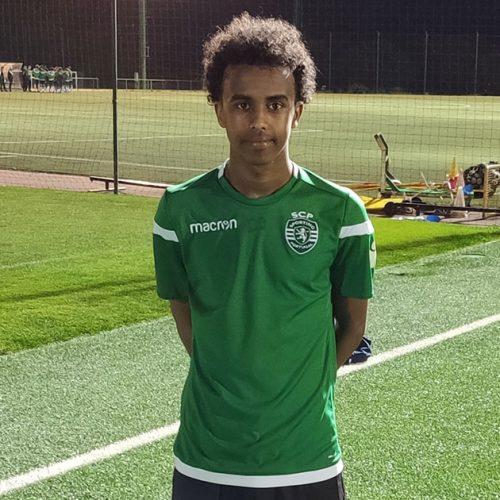 GILLAR KONCEPTET: Den svenska Alvesta GIF-spelaren, Bashir Huseen Bashiir, gick två gånger förra året för att träna med Sporting CP.