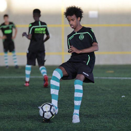 Bashir Bashiir träning med Sporting CP i Lissabon förra året. Bashir är en av NF Scholarship spelarna.