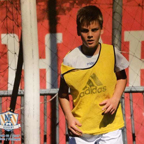 Kimi Storsjö anslöt sig till sitt första träningsläger utomlands 2017, där han spelade mot portugisiska topplag och fick träningspass från professionella tränare.