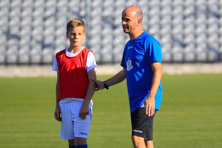 Kimi Storsjö uppskattar verkligen arbetet och råden från NF Academy tränarna under de senaste tre åren i hans resa som fotbollsspelare.